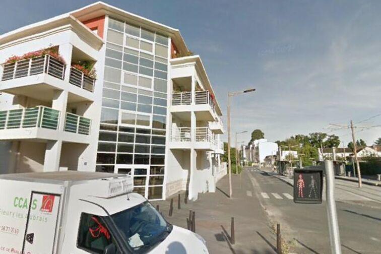 location parking Bustière - Fleury-les-Aubrais