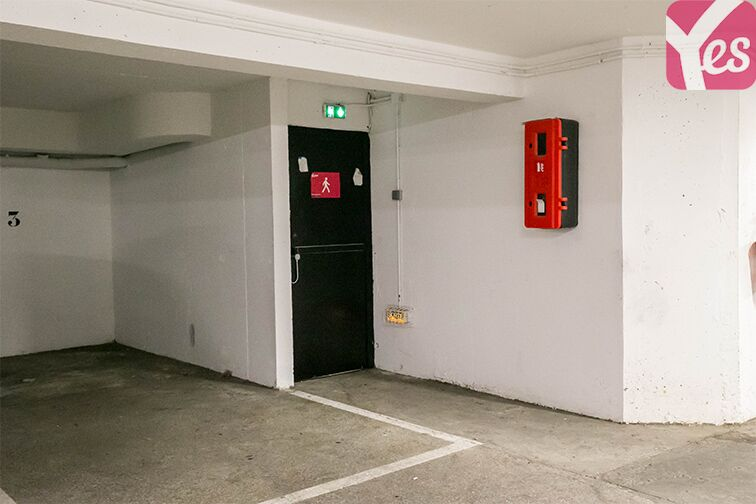 Parking Couronnes - Moulin Joly garage