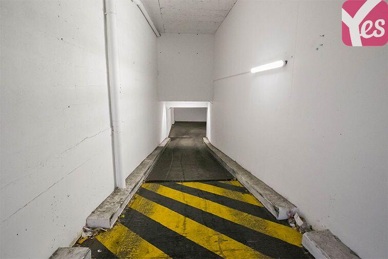 Parking Couronnes - Moulin Joly souterrain