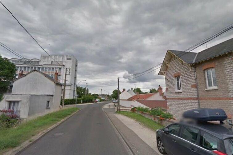 Parking Hippodrome - Vieille Levée - Orléans location