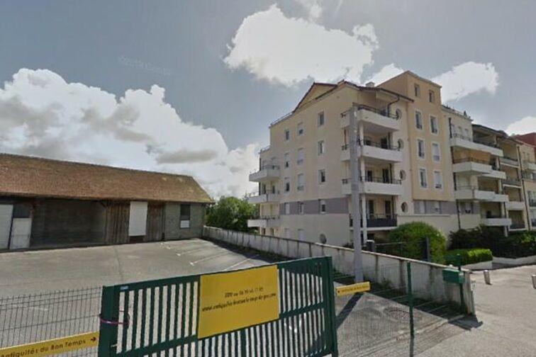 Parking Collège Jeanne d'Arc - Cessy location mensuelle
