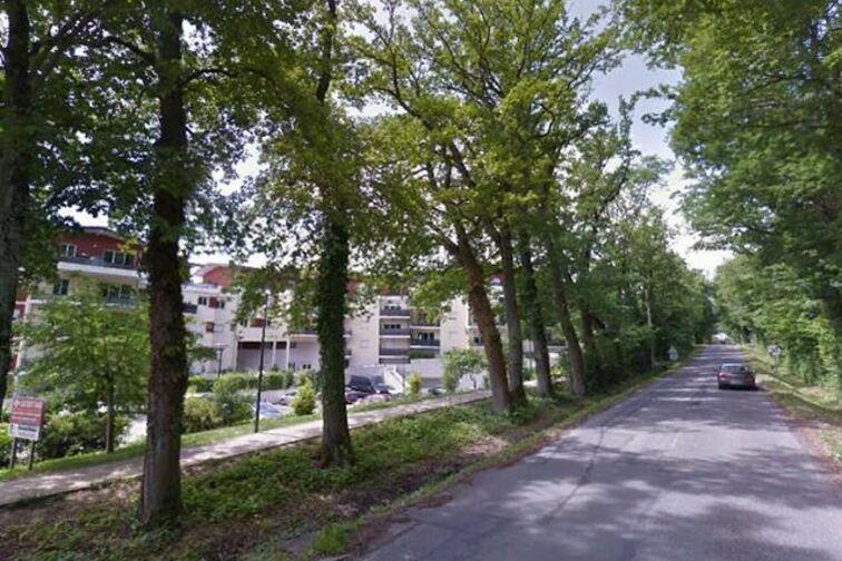 location parking Parc du Château - Prévessin-Moëns