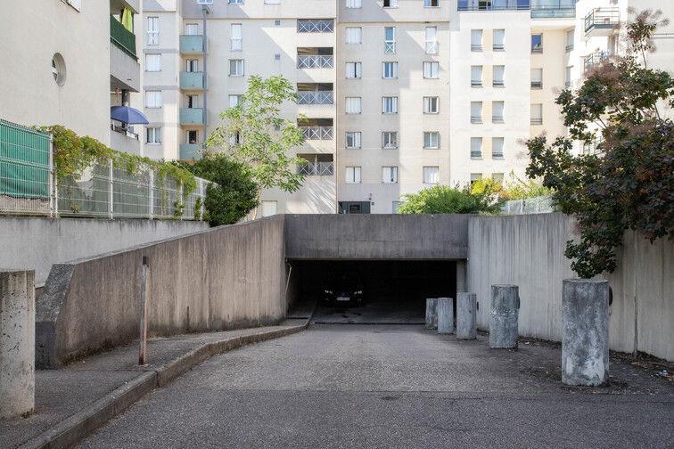 Parking Rue Emile Duport - Gare de Vaise - Lyon souterrain