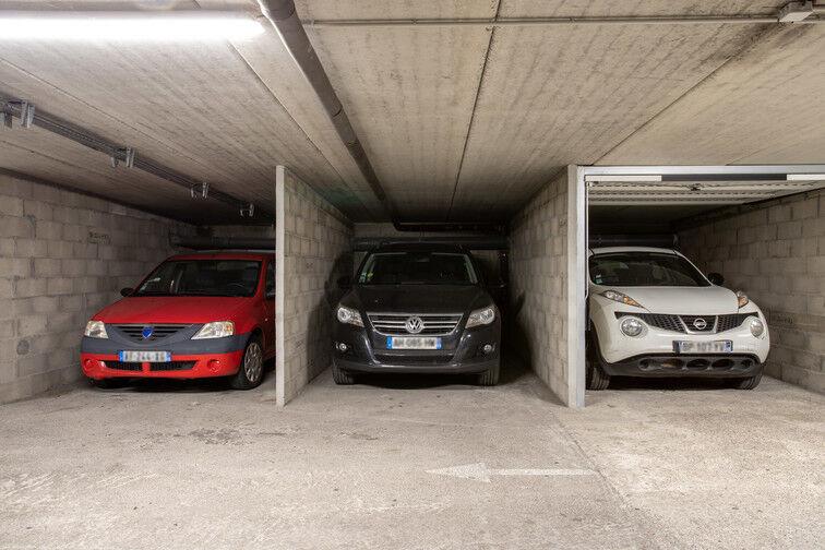 Parking Rue Emile Duport - Gare de Vaise - Lyon box