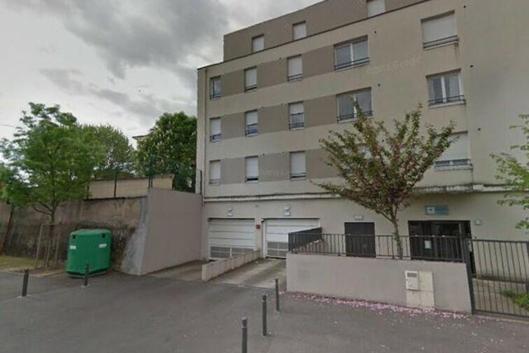 Parking Centre des Finances Publiques - Villefranche-sur-Saône avis