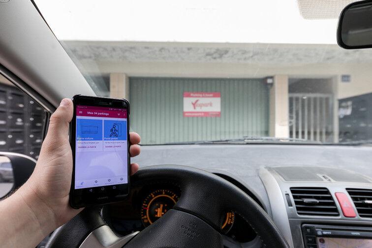 Ouvrez la porte du parking avec l'application Yespark