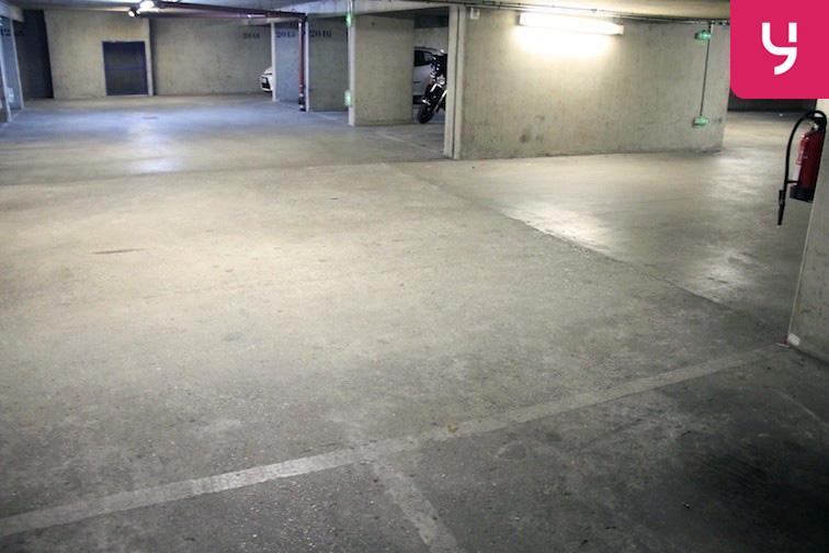 Parking Colonel Fabien - Quai de Jemmapes en location