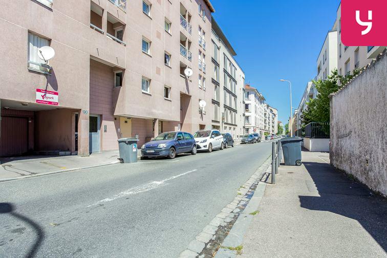 Parking Villon (place double) 69008