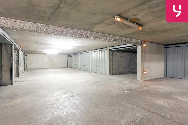 Parking Villon (place double) 24/24 7/7