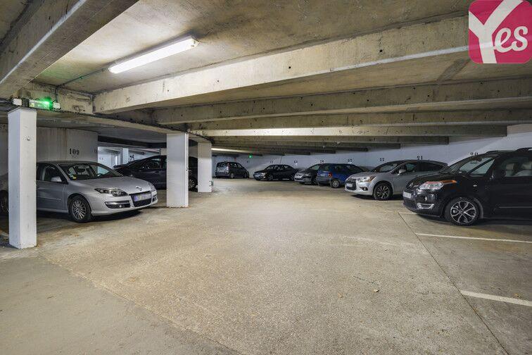 Parking Lycée Emilie de Breteuil - Montigny-le-Bretonneux en location
