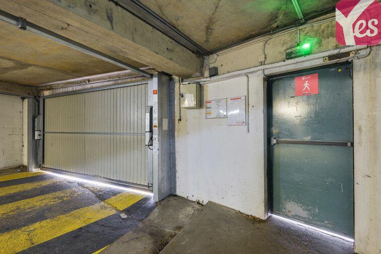 Parking Lycée Emilie de Breteuil - Montigny-le-Bretonneux location mensuelle