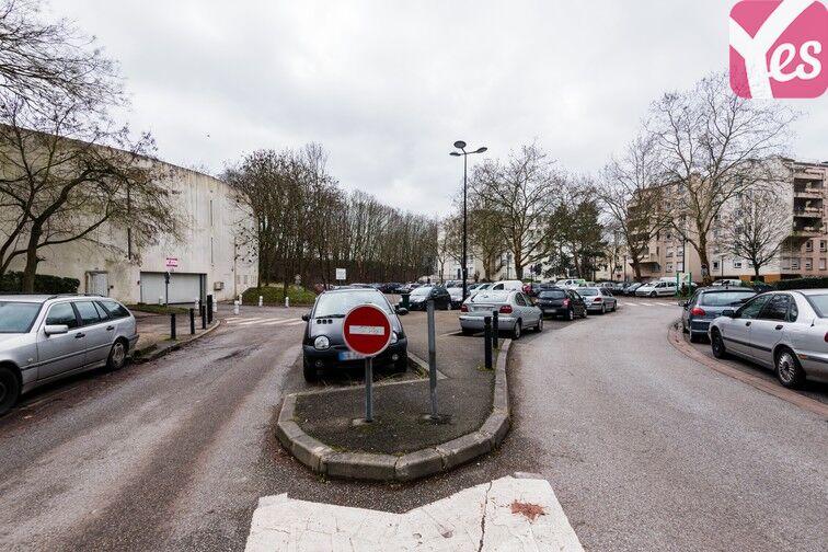 location parking Lycée Emilie de Breteuil - Montigny-le-Bretonneux