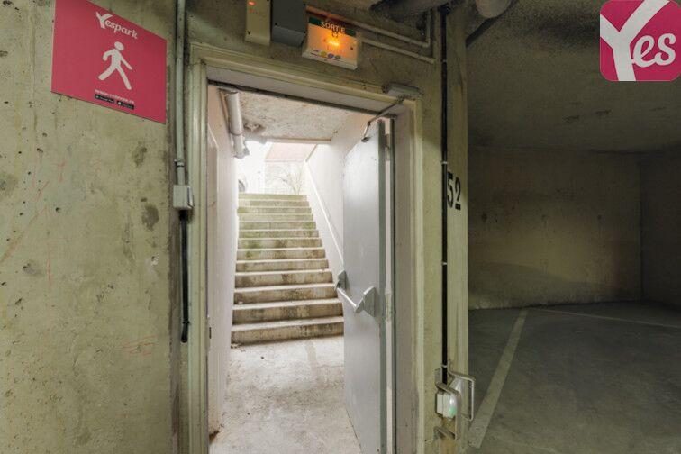 Parking Lino Ventura - Quartier de la gare - Achères gardien