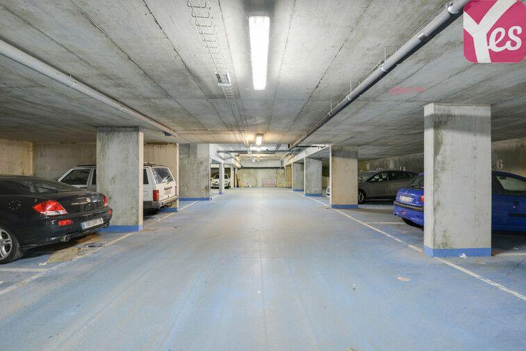 Parking Gare de Fontenay-le-Fleury garage