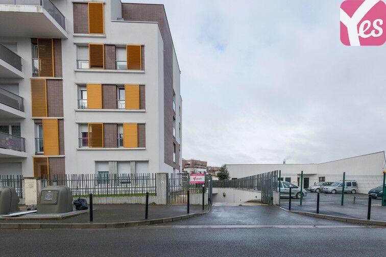 Parking Gare de Fontenay-le-Fleury gardien