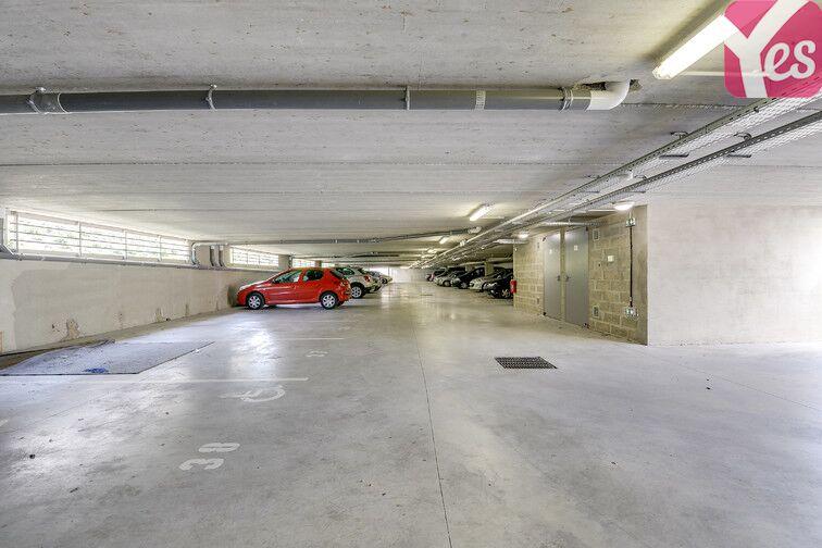 Parking Rue Molière - Les Mureaux garage