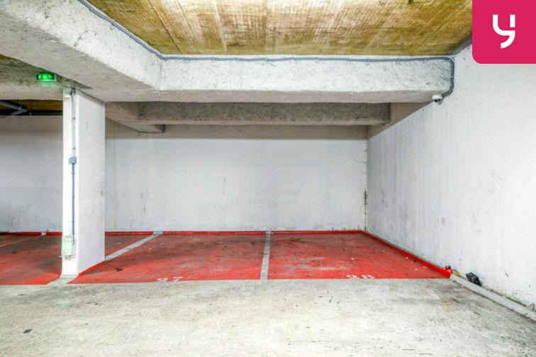 Parking Sevran - Rougemont - Charcot (place moto) 24/24 7/7