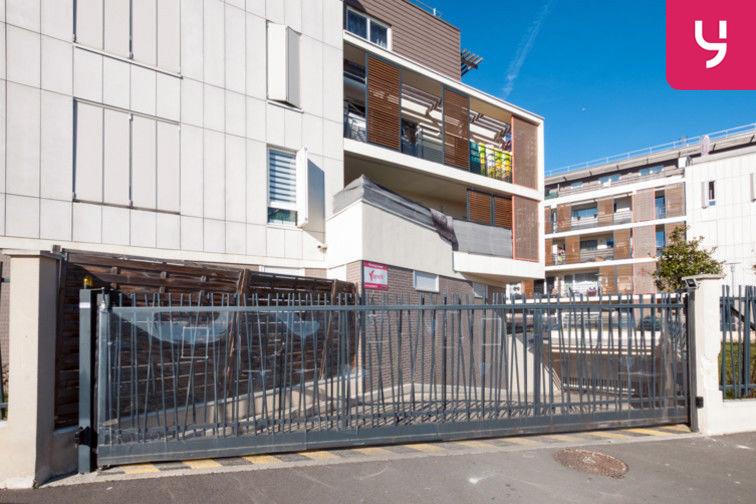 Parking Sevran - Rougemont - Charcot (place moto) en location