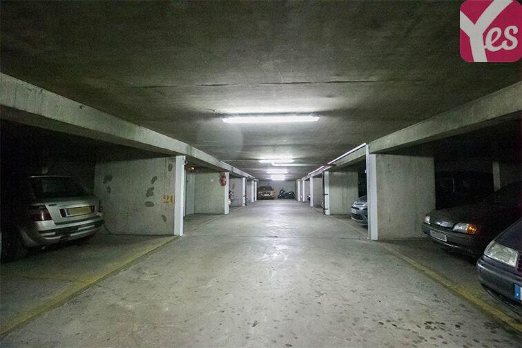 Parking Chaville - Rive Gauche - Numéro 7 pas cher