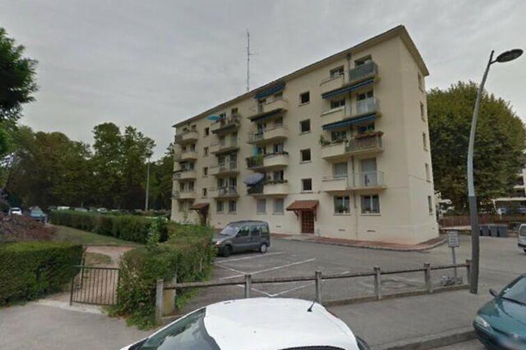 Parking Gare de Charbonnières-les-Bains (box) Charbonnières-les-Bains