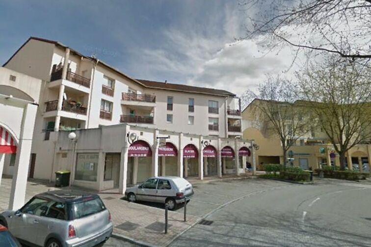 Parking Mairie de Fontaine-Saint-Martin (box) 24/24 7/7