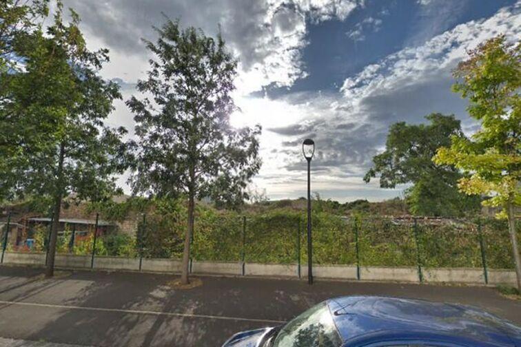 Parking Lycée Pro. Ludovic Ménard - Les Ponts-de-Cé sécurisé