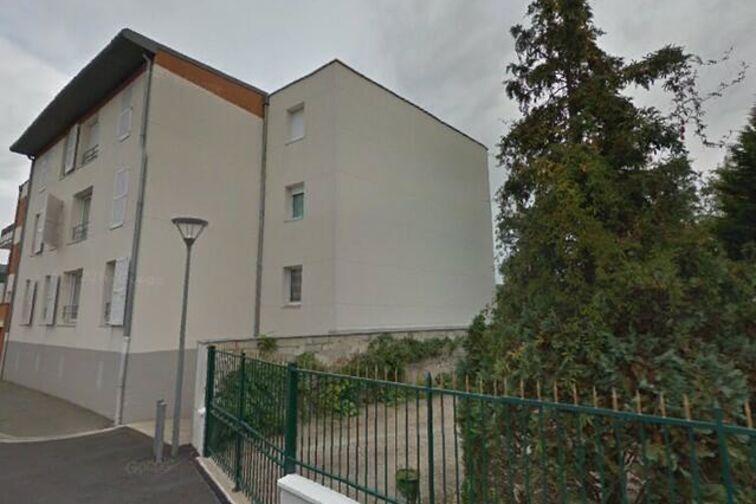 Parking Mairie de Saint-Sylvain d'Anjou 24/24 7/7