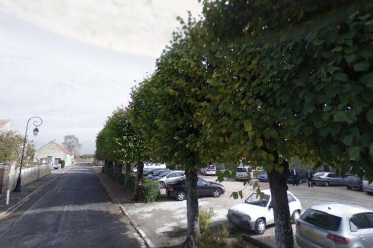 Parking Mairie de Réau pas cher
