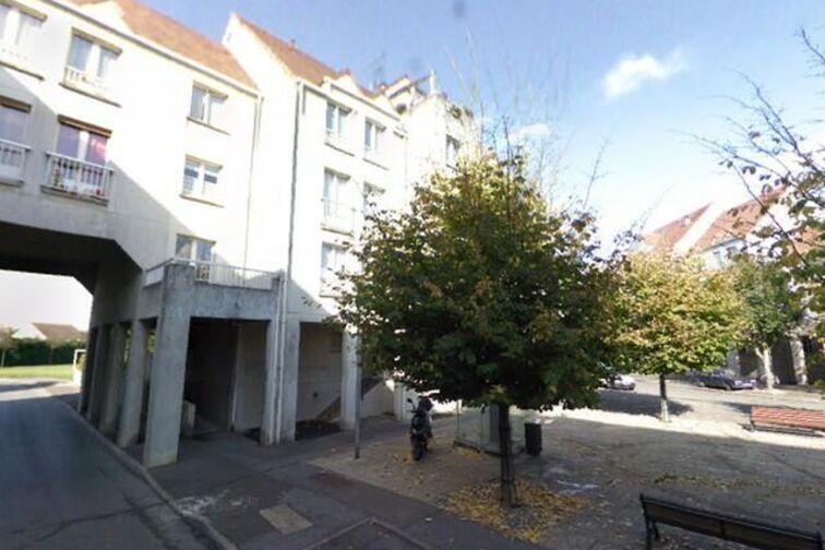 Parking Commissariat de police - Lieusaint-Moissy avis