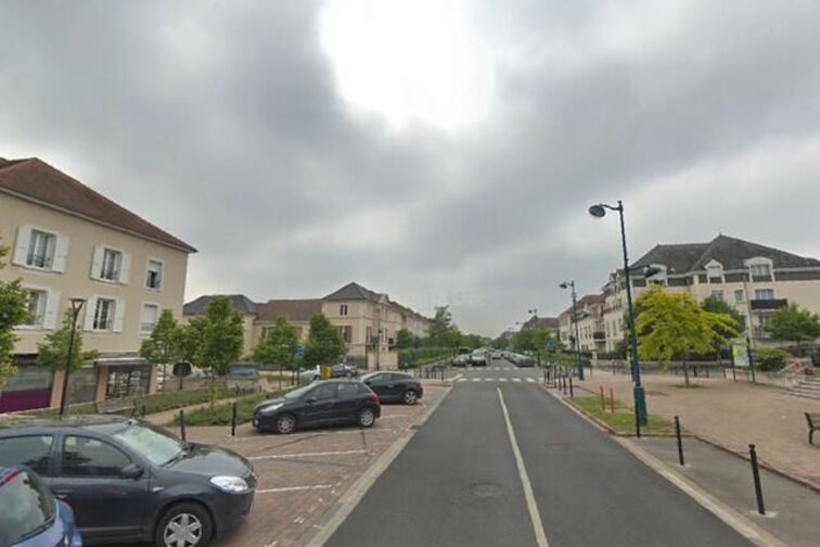 Parking Mairie de Magny-le-Hongre box