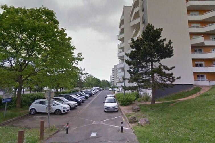 Parking Gymnase Condorcet - Meaux garage