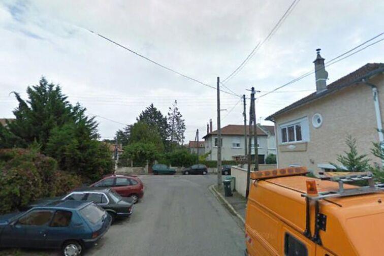 Parking Louise Michel - Montreuil (box) en location