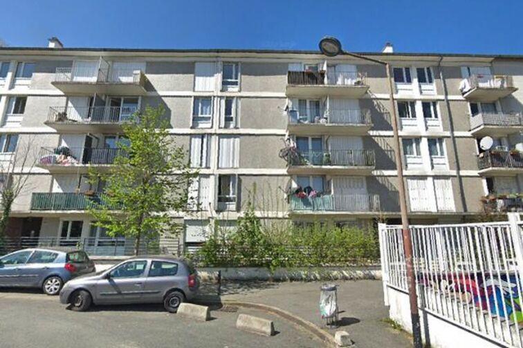 Parking Eglise Saint Charles des Ruffins - Montreuil (box) 93100