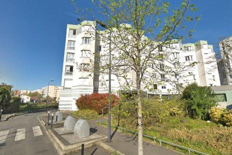 location parking Stade des Grands Pêchers - Montreuil (box)