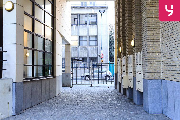 Parking Neuilly-Casteres - Clichy - Entrée de Ville (place double) 12 rue Casteres