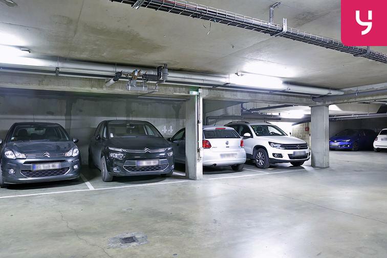 Parking Neuilly-Casteres - Clichy - Entrée de Ville (place double) à louer