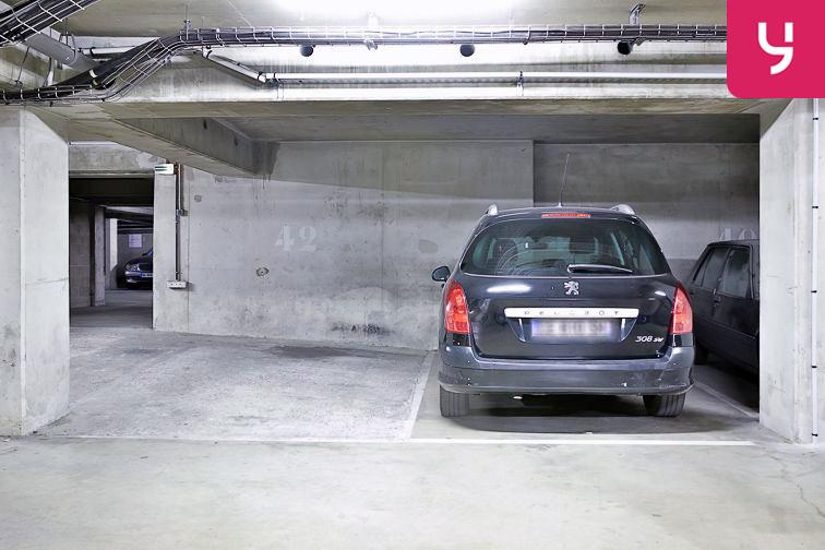 Parking Neuilly-Casteres - Clichy - Entrée de Ville (place double) box