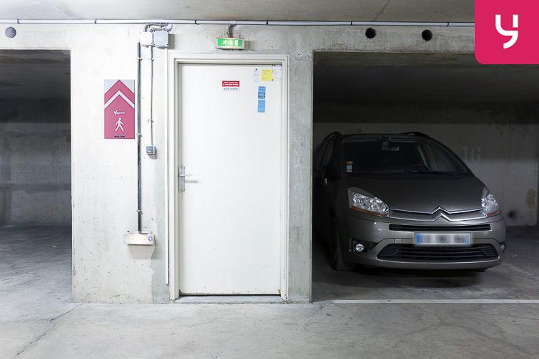 Parking Neuilly-Casteres - Clichy - Entrée de Ville (place double) sécurisé