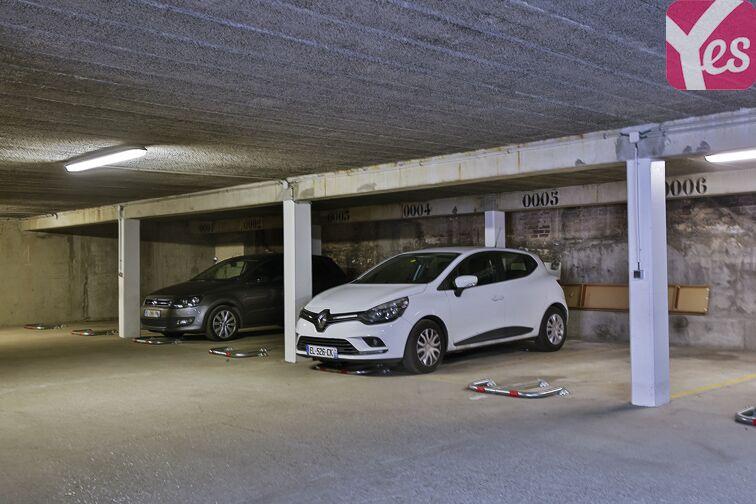 Parking Eglise Notre Dame des Lourdes - Paris 20 (place moto) 1 rue du Télégraphe
