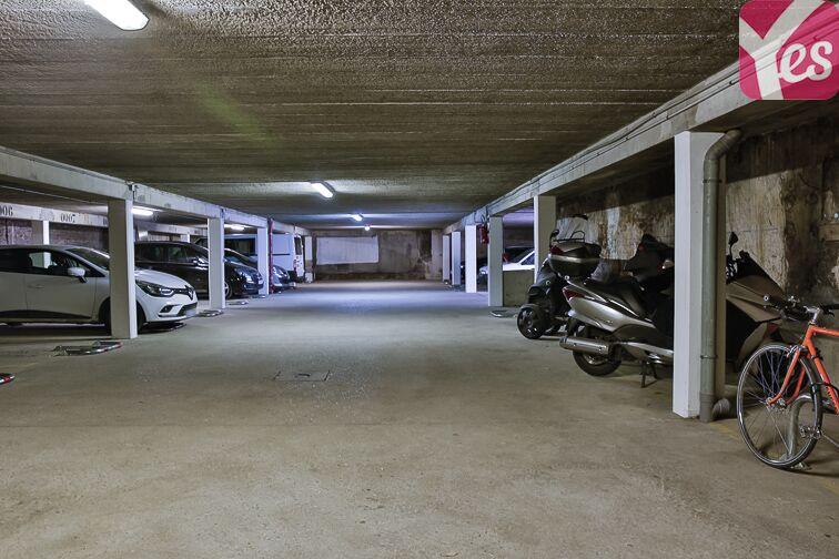 Parking Eglise Notre Dame des Lourdes - Paris 20 (place moto) Paris