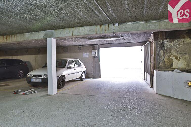 Parking Eglise Notre Dame des Lourdes - Paris 20 (place moto) 24/24 7/7