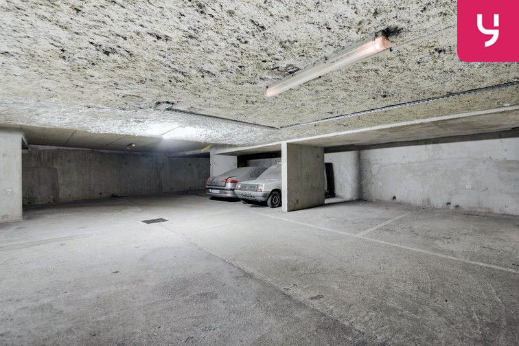 Parking Guillotière (place double) 24/24 7/7
