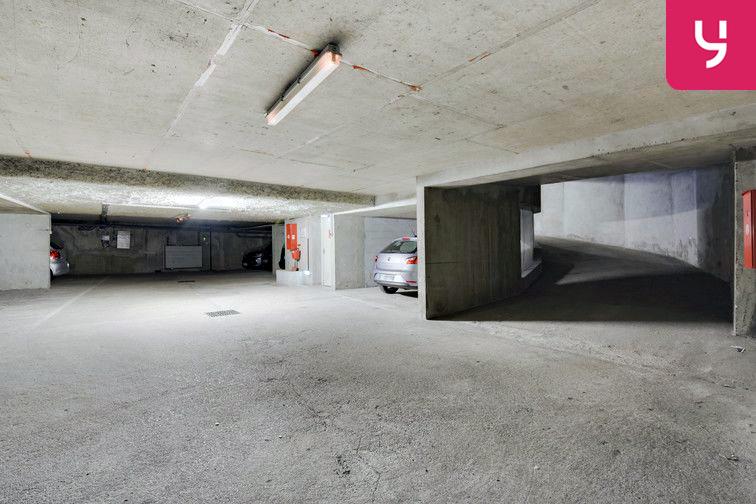Parking Guillotière (place double) box