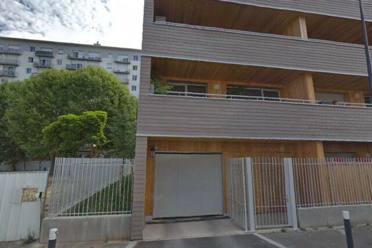 Parking Saint-Just - Montreuil pas cher