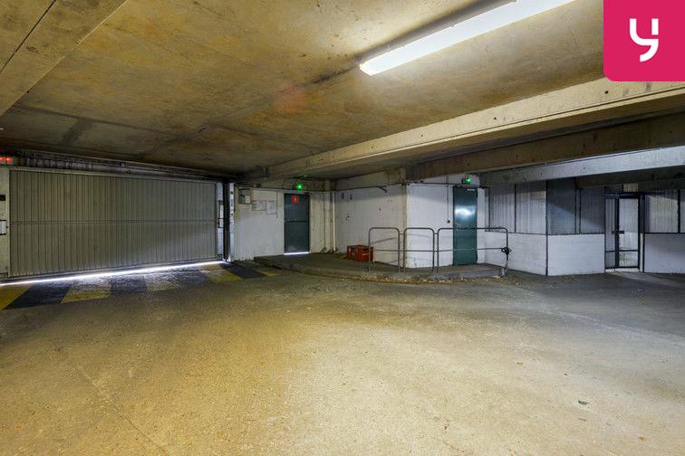 Parking Lycée Emilie de Breteuil - Montigny-le-Bretonneux (place moto) box