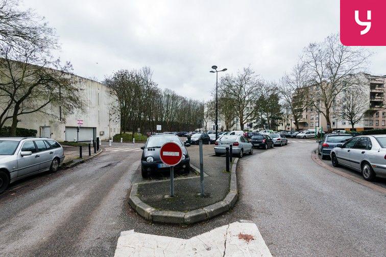 rue des Coquelicots - Après la résidence de l'Ivraie