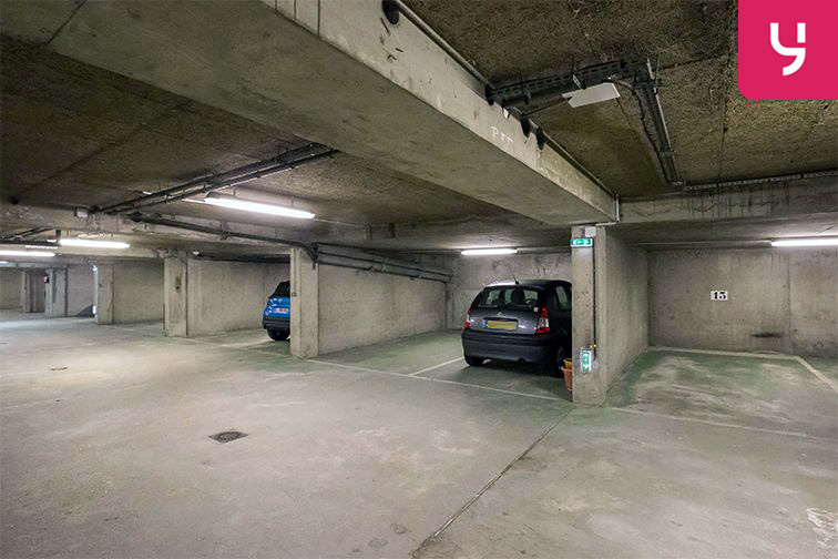 Parking Gare Viroflay - Rive Droite (place double) location