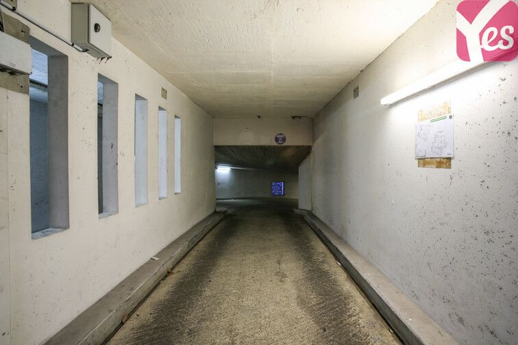 Parking Amiral Roussin - Necker- Paris 15 souterrain