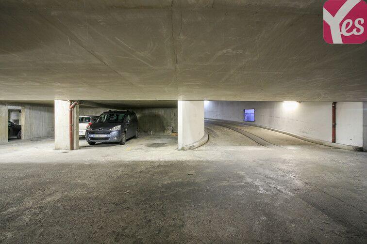 Parking Amiral Roussin - Necker- Paris 15 pas cher