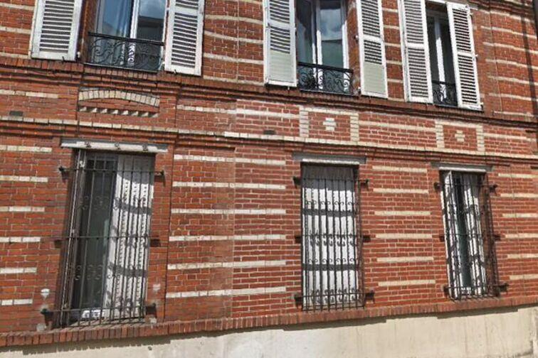 Parking Gare de Villeneuve-le-Roi location